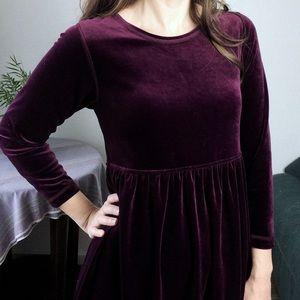 Erika Studio • vintage burgundy velvet dress
